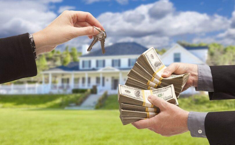 10 плюсов и минусов продажи дома летом
