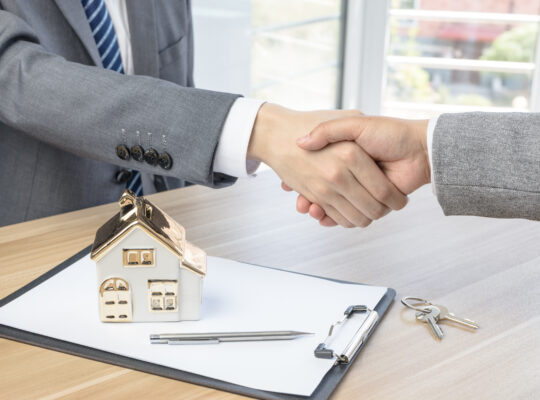 Как проходит сделка купли-продажи квартиры